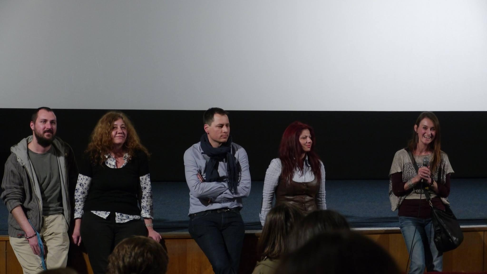 Снимка от премиерата на София Филм Фест -- въпроси и отговори след прожекцията с монтажистите Нина и Петър и участниците Николина и Лъки